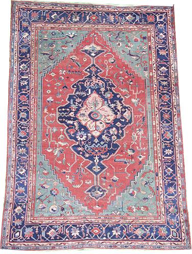 Antique Serapi rug 410 x 320cm