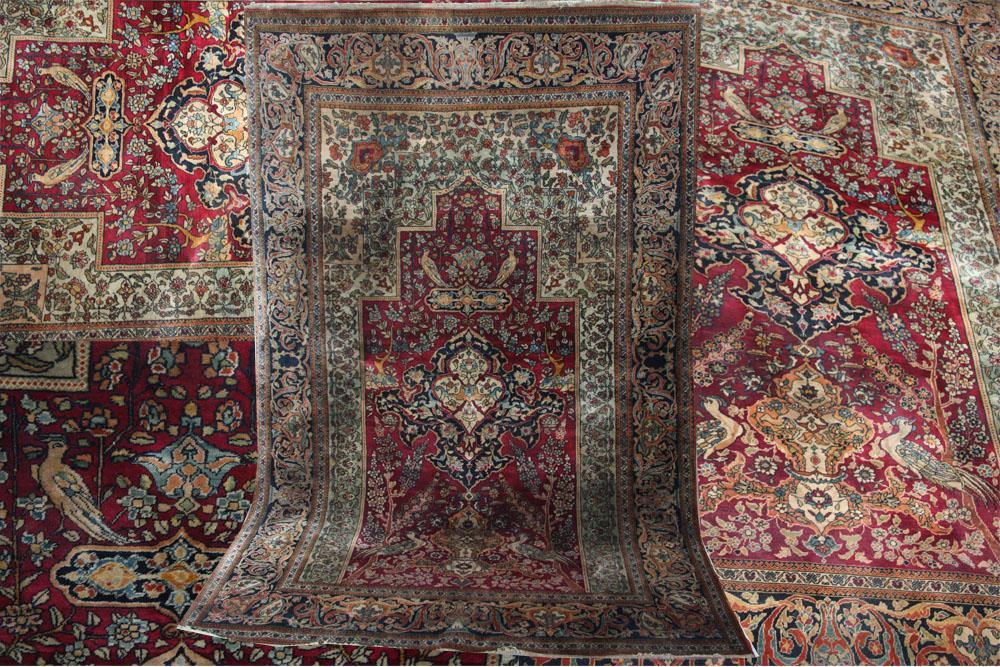 Antique Persian Isfahan rug circa 1900