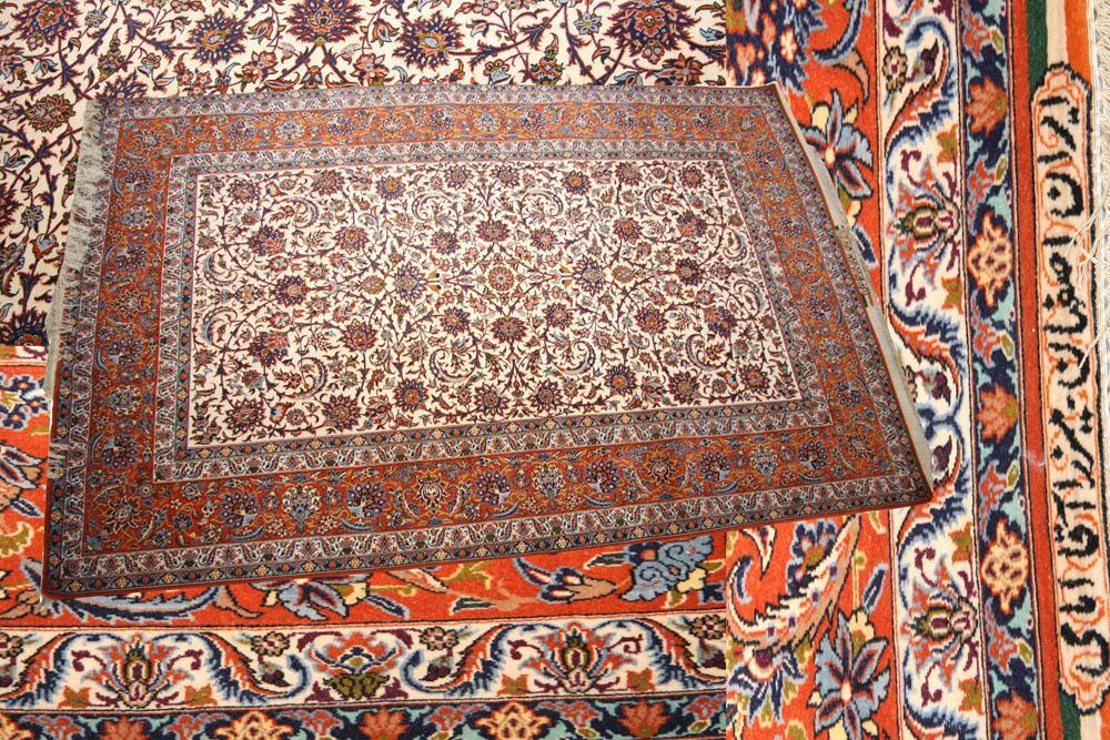 ISFAHAN CARPET SIGNED BY AGA EMMAMI