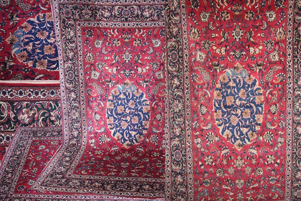 Isfahan rug in red silk and wool field